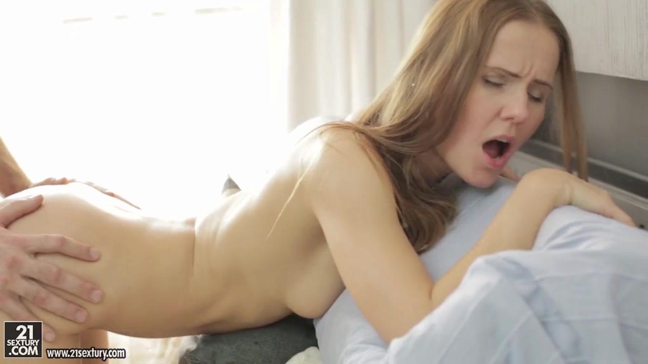 Кончает внутрь киски после секса