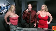 Развратный секс с толстушками на работе