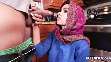 Арабский секс с милой послушной барышней