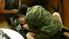 Жесткий секс русских солдатов и молодой красивой террористки