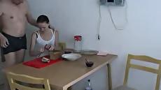 Трахнул на кухне русскую худенькую студентку
